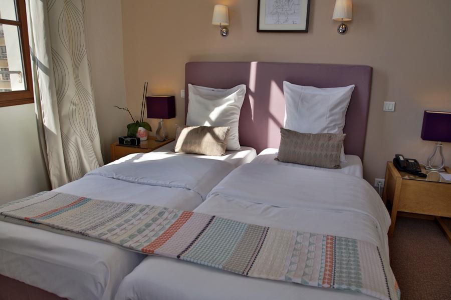 Chambre twin hotel cologique belle vue vieux port marseille for Chambre twin
